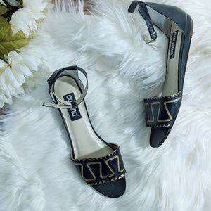 Vintage Geometric Design Leather Sandals